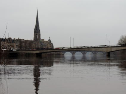 Old bridge seen under the new one in Perth