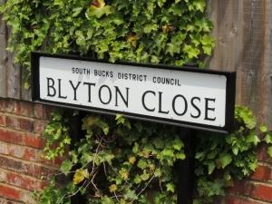 Blyton Close signpost