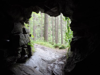 Looking out the window, Ossian's cave, Dunkels